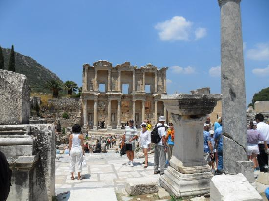 Sofabed Hotel: the Ephesus  is a must see
