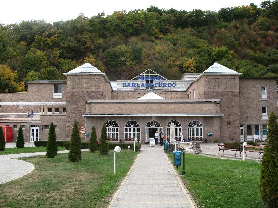 Cave Bath of Miskolctapolca : The building in front of the cave
