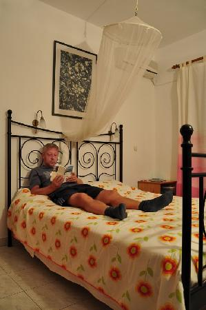 Diafani, Grecia: room