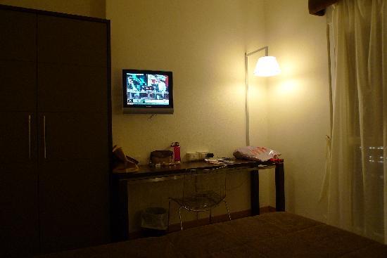 เดลเล นาซิโอนิ โฮเต็ล: spacious double room with view