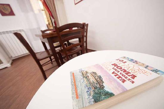 Candia Domus Vaticano: soggiorno