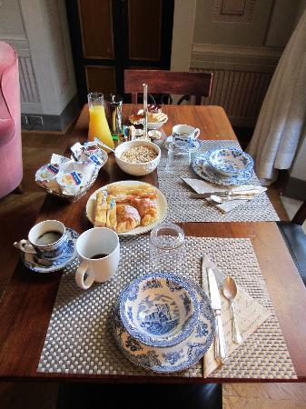 Palazzo Rocchi: Lovely breakfast.