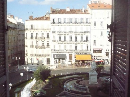 Inter-hotel Grand Hotel de la Gare: View out of hotel window