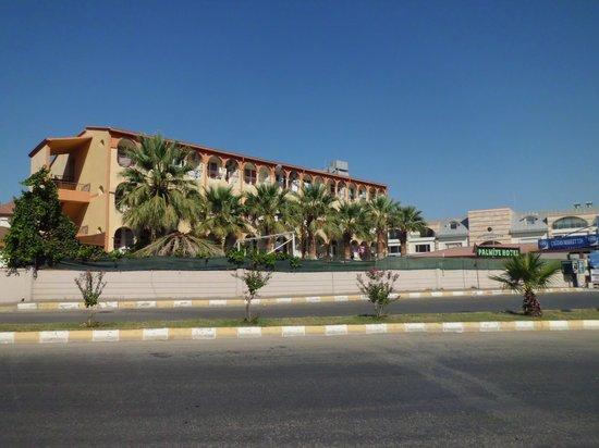 Palmiya Apartments: main hotel