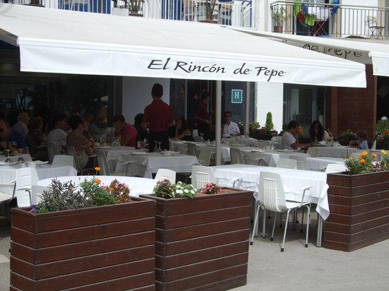Restaurante Rincon de Pepe: Terrace from the street