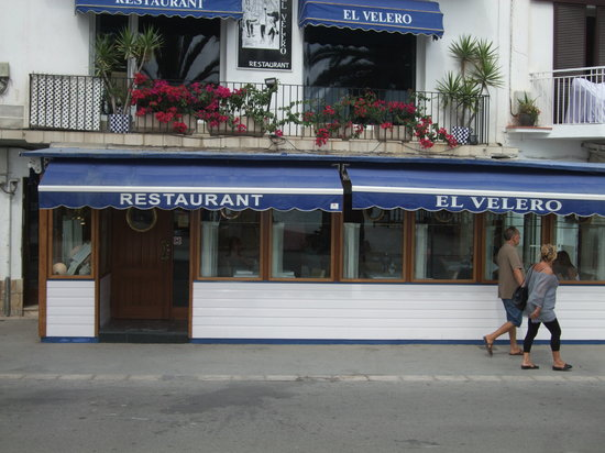 Front of El Velero