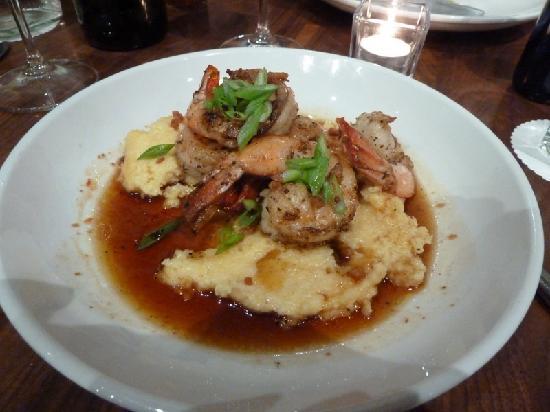 Zelko Bistro: shrimp and grits - fabulous!