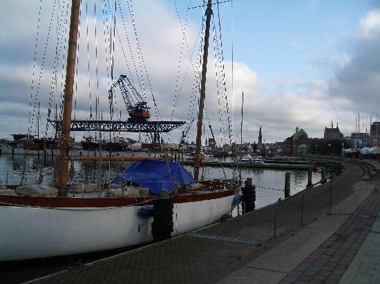 Villa Patti: Rostocker Hafen