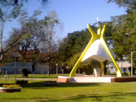 Crespo, Argentine : Monumento a la Biblia