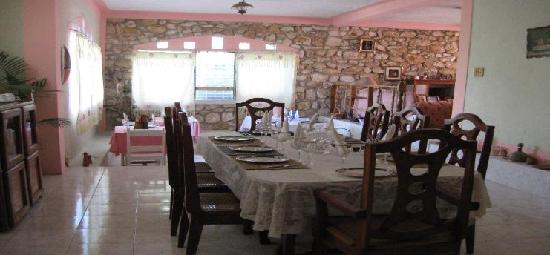 Petionville, Haiti: dining area