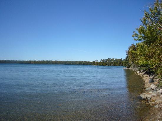 Viva Villa Cottage Resort: Shoreline