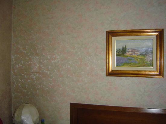 Bonciani Hotel: Старые обои