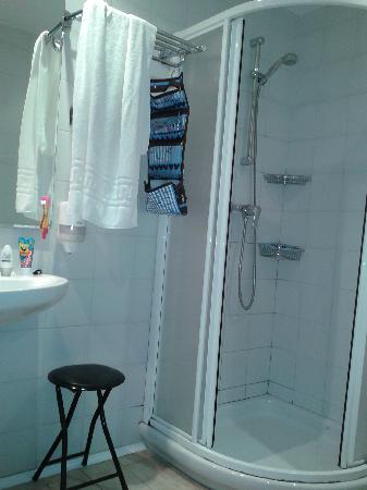 Ekia Pentsioa: Bathroom