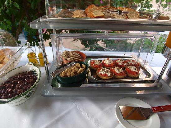 Lefktron Hotel: breakfact buffet: local products