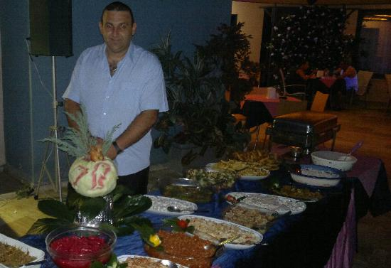 Happy Apart Hotel: açık büfe türk gecesi