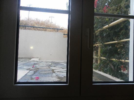 Alexander House Hotel: Vue de la fenêtre