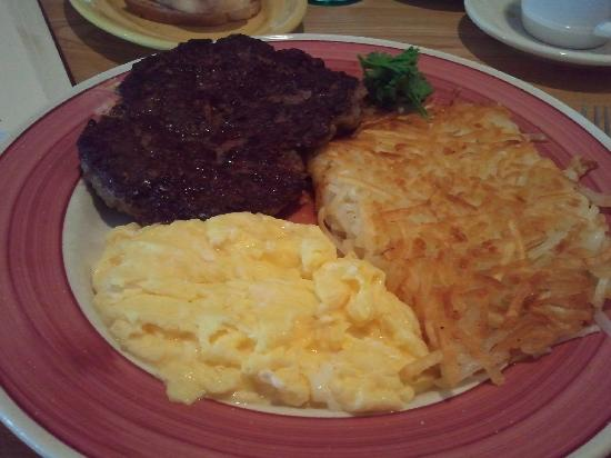 Rick's Restaurant & Bakery: Hamburger Steak and Eggs