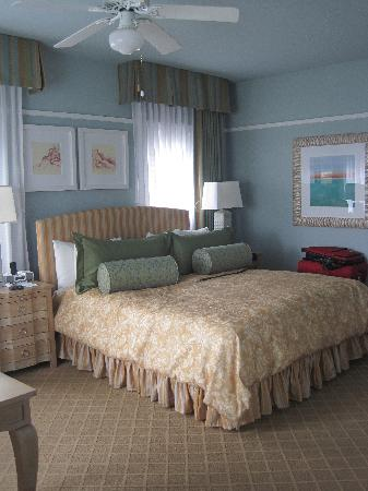 Grande Colonial La Jolla: Another view of the room