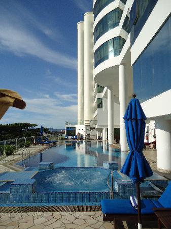 Le Meridien Kota Kinabalu: Pool