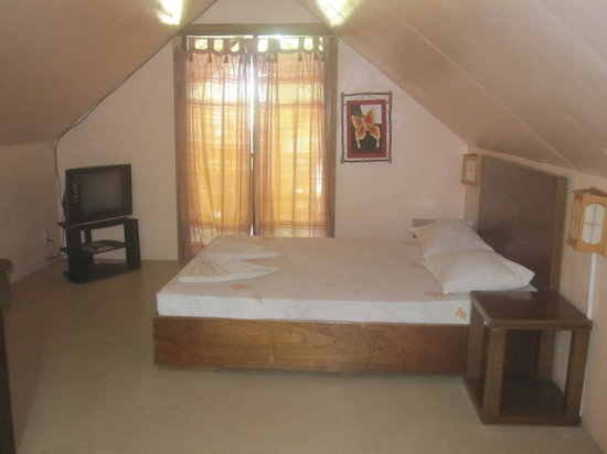 Mendelluke's Suites: attic room