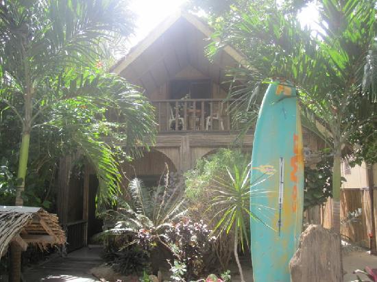 Mendelluke's Suites: front house
