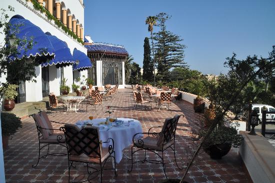 El Minzah Hotel: petit déj en terrasse