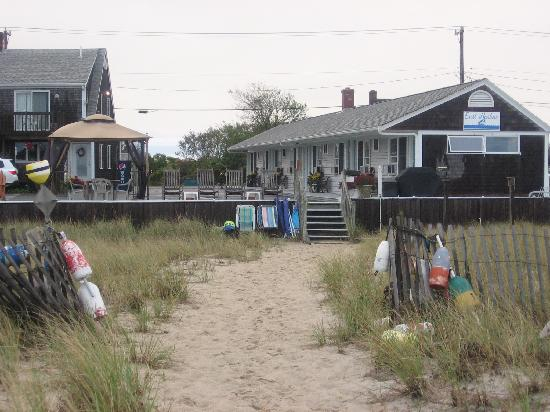 East Harbour: the path from the beach back to the motel (motel rooms on the right)