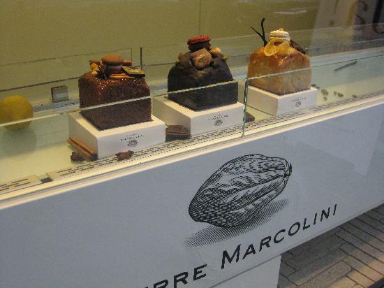 La vitrine de la pâtisserie Pierre Marcolini