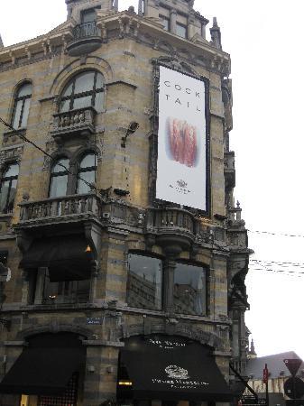 La façade du magasin principal près du Grand Sablon, Pierre Marcolini