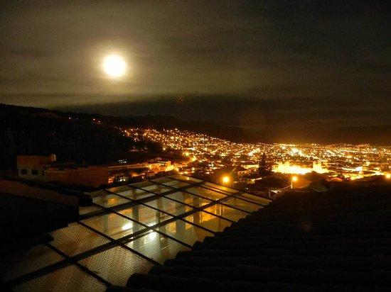 Mirador de Santa Ana: luna sobre cuzco
