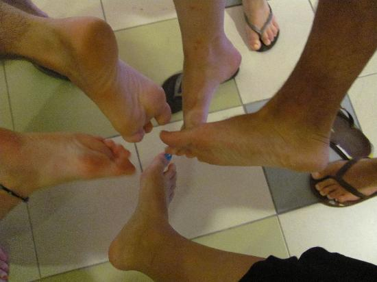 Picture of foot master fish spa kuala lumpur for Fish cleaning feet