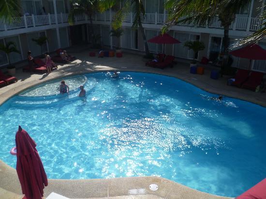 Decameron Los Delfines: piscina