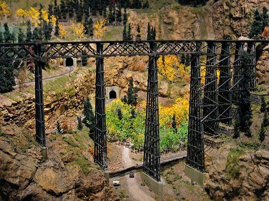 Colorado Model Railroad Museum : Greeley Freight Museum Bridge