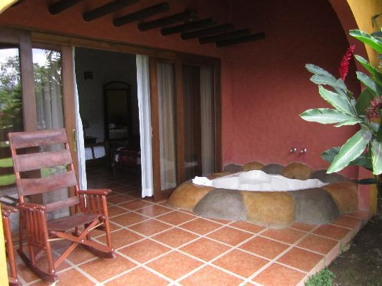 Hotel Mountain Paradise: Patio