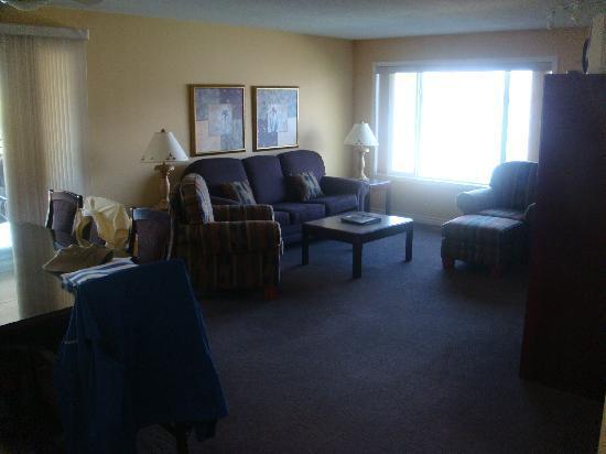 Casa Loma Lakeshore Resort: Livingroom Area