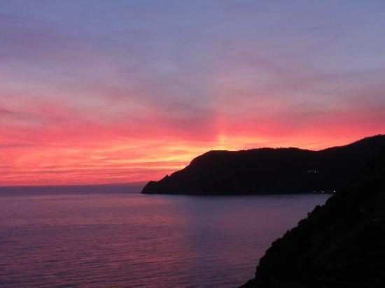 Hotel La Spiaggia : Sunset at Cinque Terre