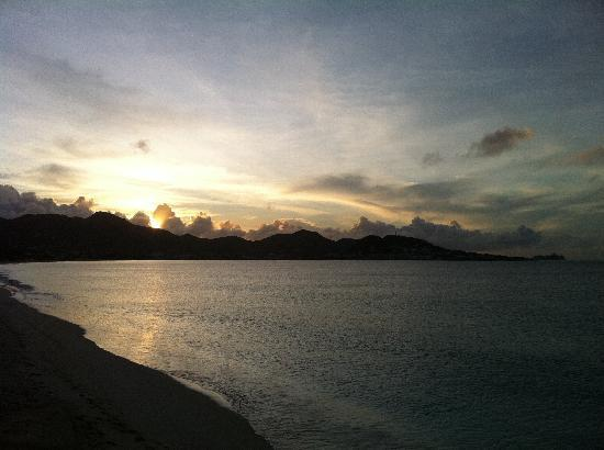 Beachside Villas: sunrise over simpson bay