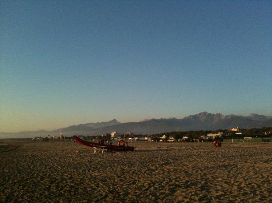 Napiaia Bed & Breakfast: camaiore beach