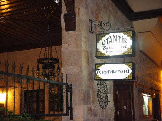 Otantik Restaurant & Winehouse : Outside the restaurant