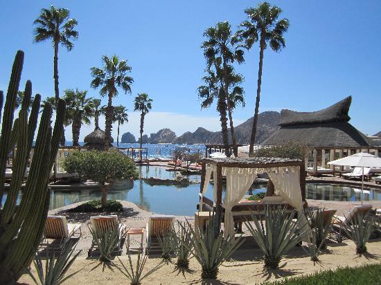 ME Cabo: Espectaculares vistas de la piscina