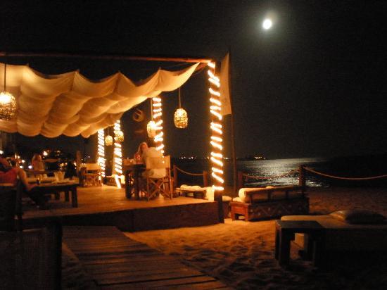 ME Cabo: Cena en el restaurante de la playa