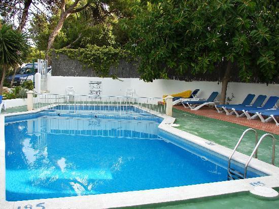 Portinatx Apartments: Pool von Apartamentos Portinatx