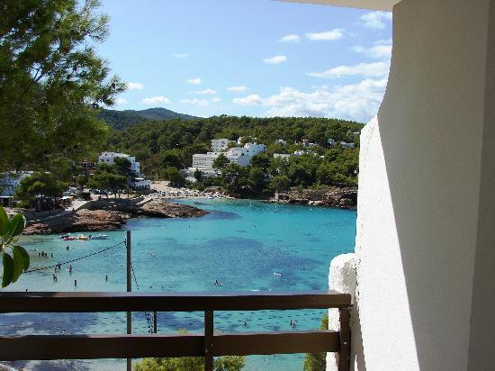 S'Arenal Petit: s'Arenal Petit in der Bucht von Portinatx Tagsüber