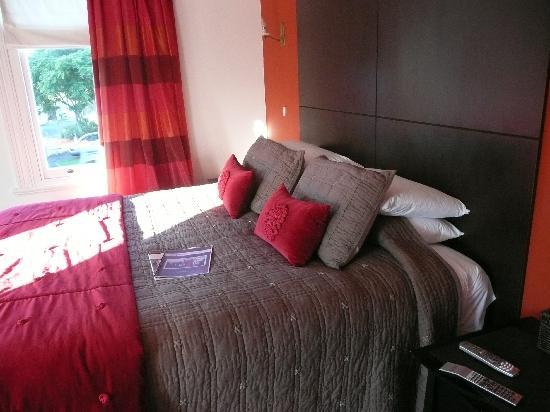 Issey Manor: Comfortable< Luxurious Bed