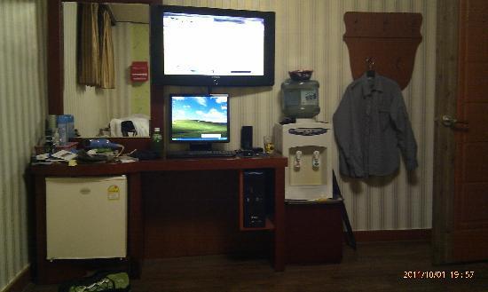 Dongdo Motel : TV broadcasting EPL live!