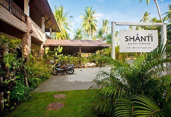 Shanti boutique hotel: Front Entrance Area
