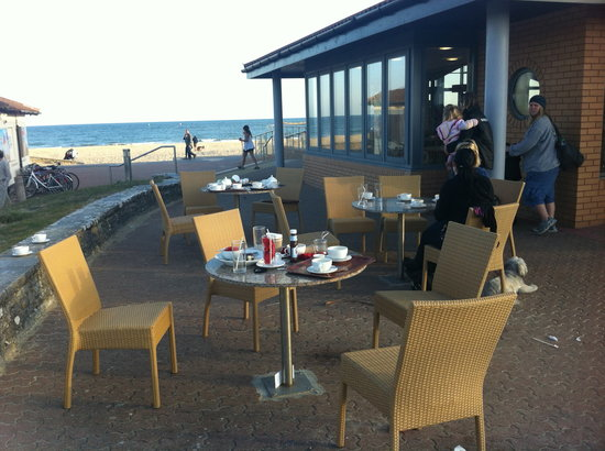 Sandbanks Beach cafe: Difficult to find somewhere to sit amongst all this rubbish