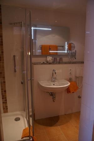 Hotel Sonnenhof: neues Badezimmer