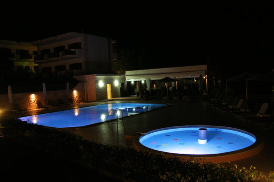 Aegean Blue Studios: Pool by night