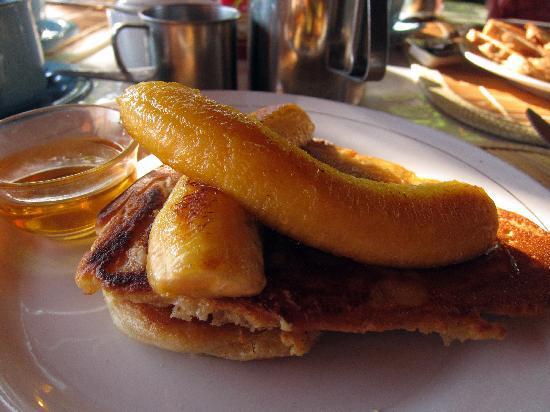Liberty Dive Resort: The tasty banana pancake !